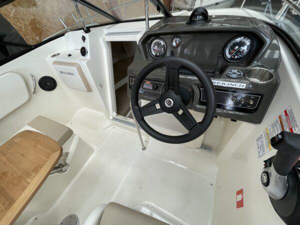 Bayliner VR5 Cuddy 4