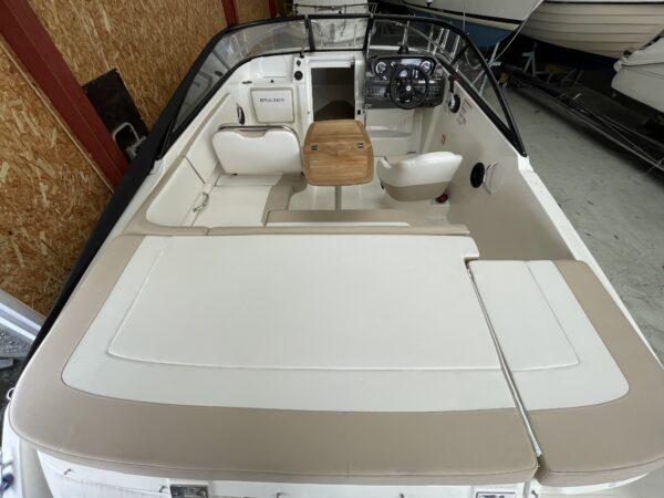 Bayliner VR5 Cuddy 5