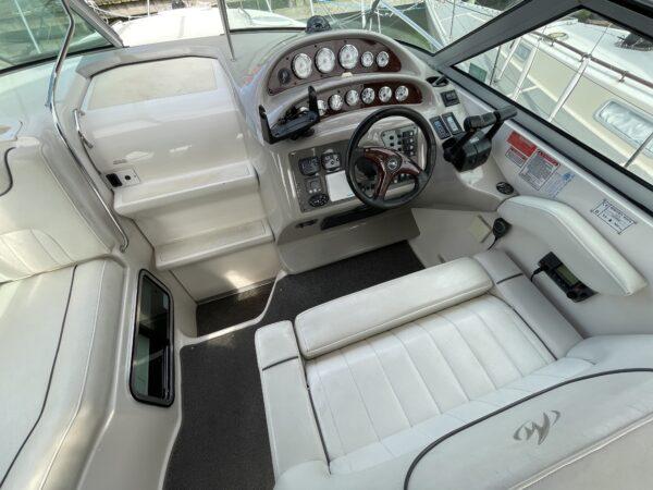 Monterey 302 Cruiser 11