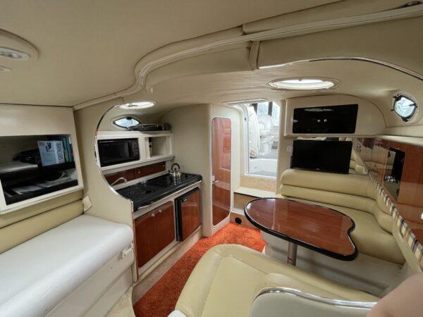 Monterey 302 Cruiser 17