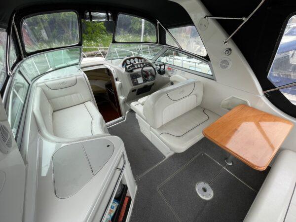 Monterey 302 Cruiser 10