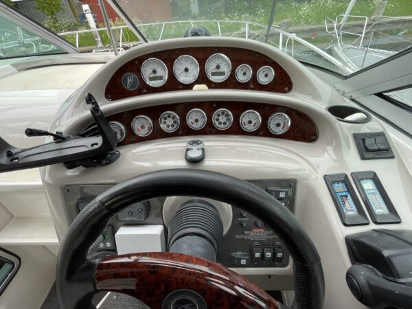 Monterey 302 Cruiser 12