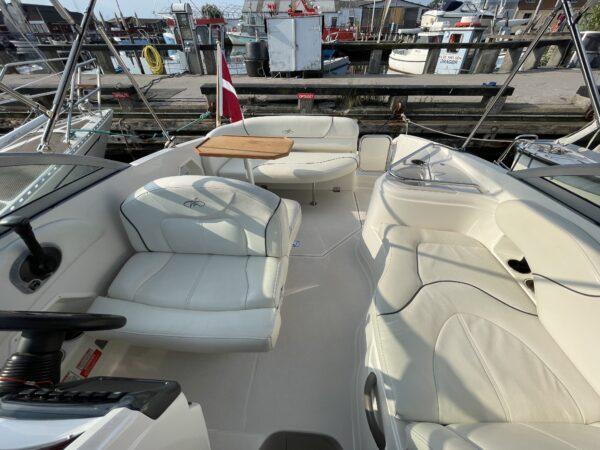 Monterey 250 Cruiser 8